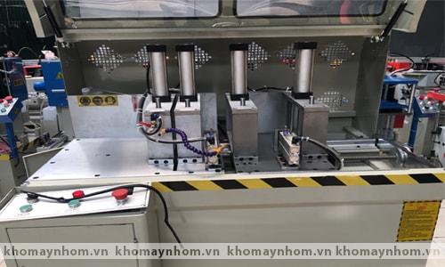 Máy cắt ke nhôm tự động 2