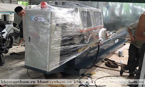 Chuyển máy sản xuất cửa nhôm đi Quốc Oai 2