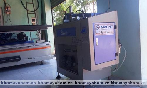 Chuyển máy làm cửa nhôm Quảng Bình 2