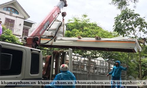 Chuyển máy sản xuất cửa nhôm tại ngoại thành Hà nội 2