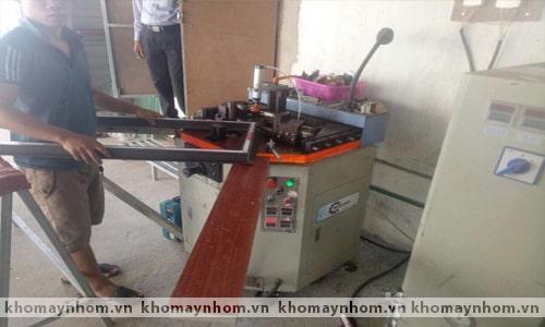 Chuyển máy làm cửa nhôm Lệ Thủy - Quảng Bình 3