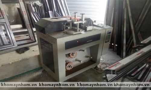 Chuyển máy làm cửa nhôm Lệ Thủy - Quảng Bình 4