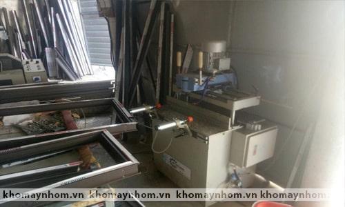Chuyển máy làm cửa nhôm Lệ Thủy - Quảng Bình 5