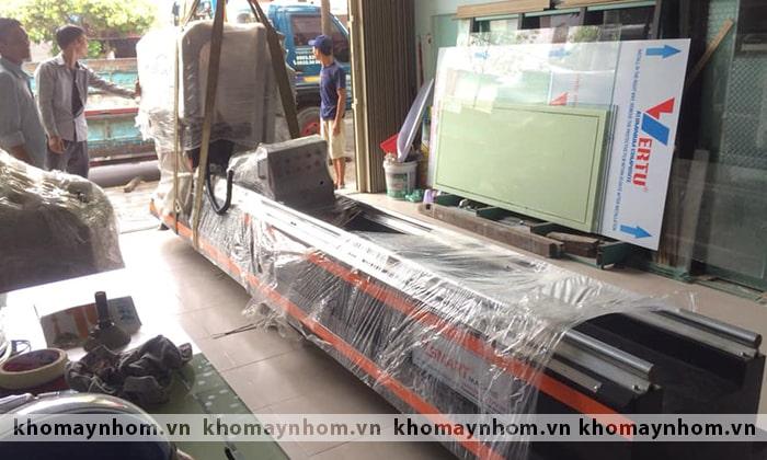 bàn giao máy sản xuất cửa đà nẵng