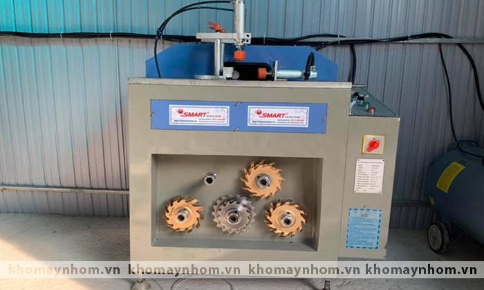 máy sản xuất cửa nhôm thiệu hóa thanh hóa
