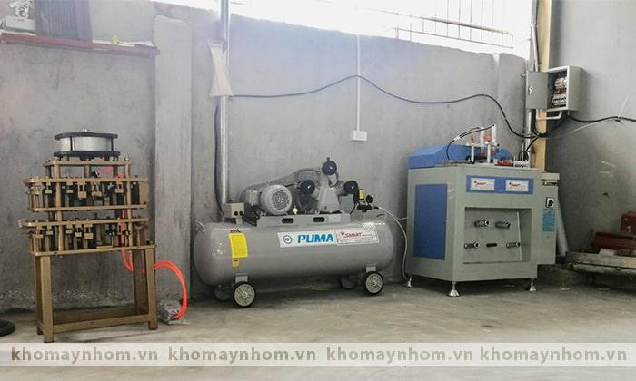 máy sản xuất cửa nhôm tháng 05 2021